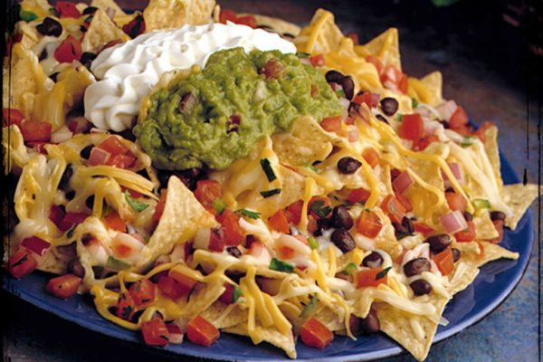 Clean chili nachos recipes melanie mitro these clean chili nachos are a great pick for when youre throwing a party and need a healthy appetizer to share with your friends and family forumfinder Gallery